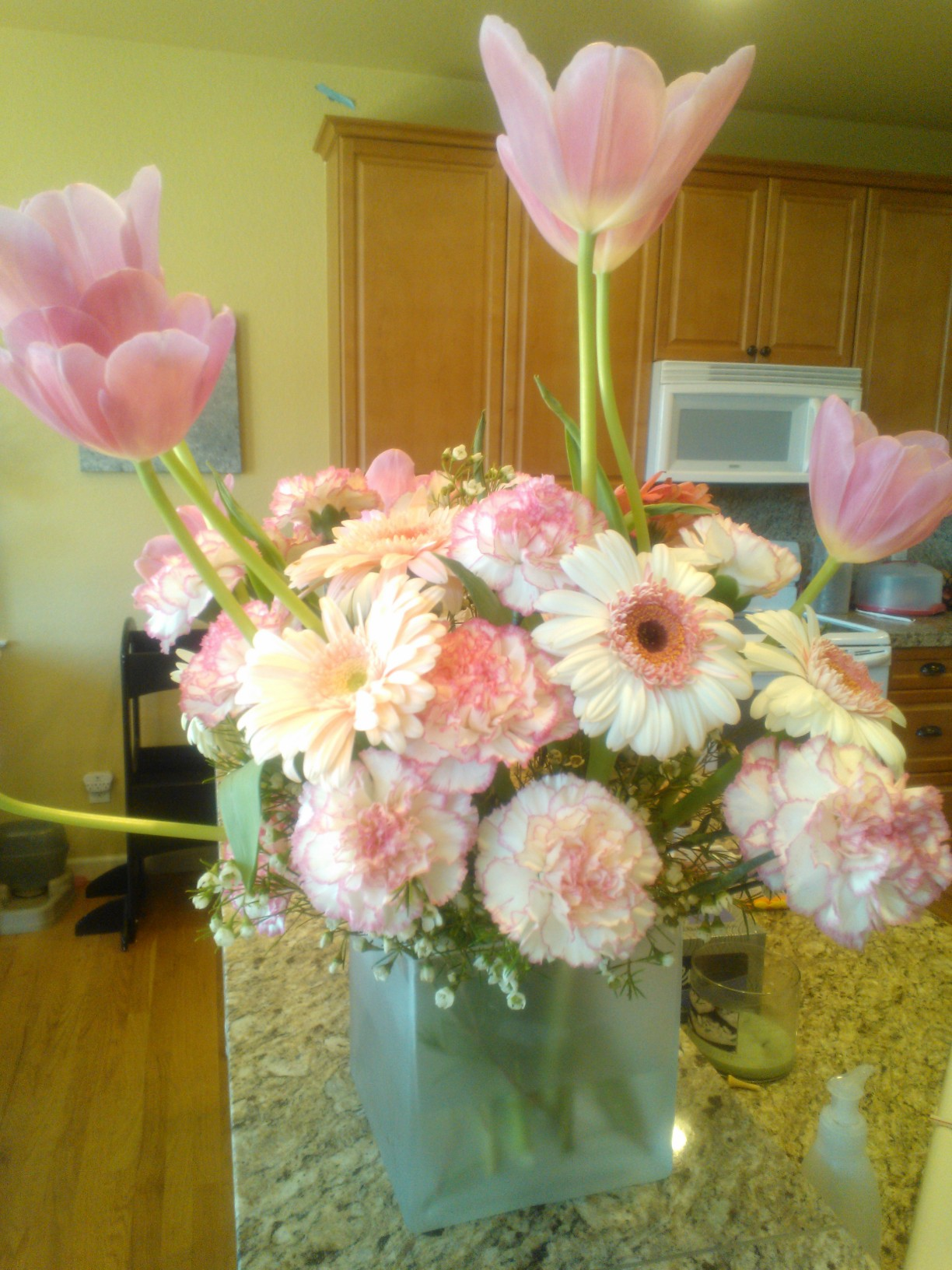 Beautiful Flowers from a Beautiful Person. ($50 GC Giveaway to FTD.com)