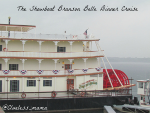 Showboat Branson Belle Dinner Cruise Review #ExploreBranson